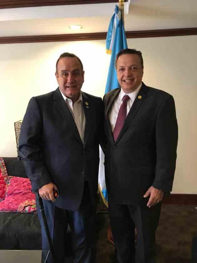 , Alegre y presidente electo de Guatemala se reúnen