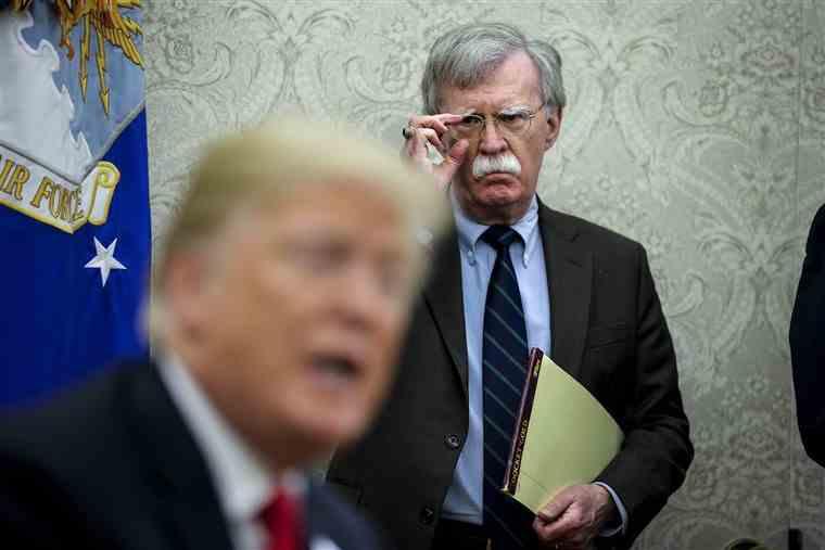 , Trump despide a su asesor de seguridad