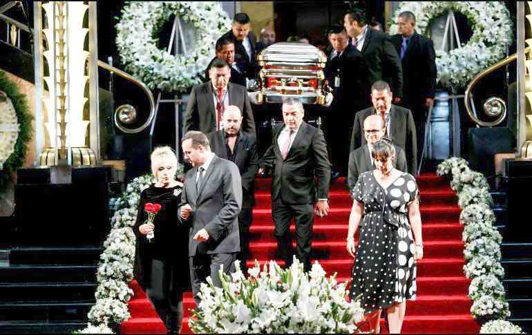 , Concluye homenaje a José José en Bellas Artes