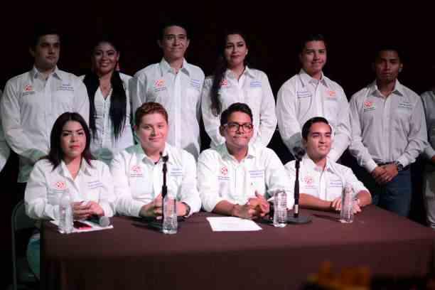 , Presentan agrupación de jóvenes políticos