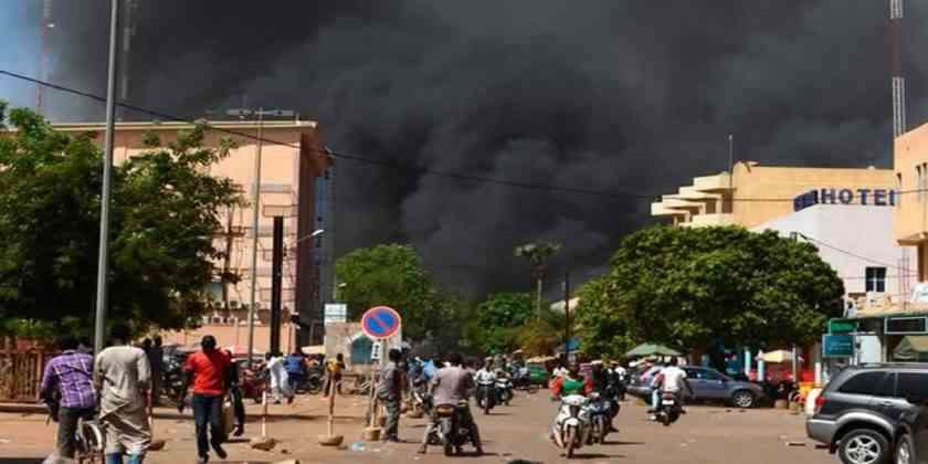 , Yihadistas atacan iglesia en Burkina Faso: 14 muertos