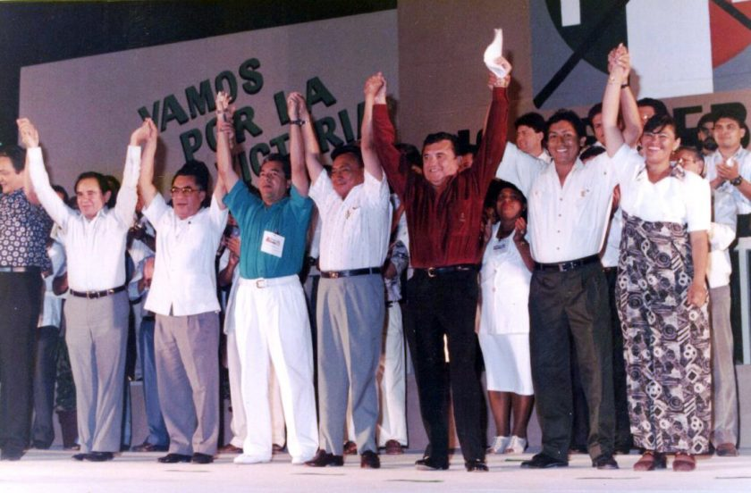 De viva voz | Carlos Cardín Pérez: Partidos políticos, sin pies ni cabeza