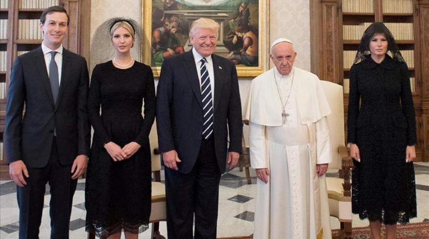 El 'milagro imposible' de los Papas, la destitución de Donald Trump  –  EL BESTIARIO