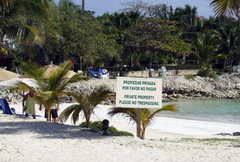 Playas libres por decreto. Ignorancia tropical  –  Canto del Gallo