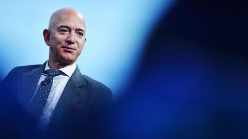 Pierde Bezos en un día casi 7,000 mdd